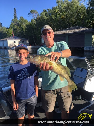 """27"""" Walleye caught on Lake of the Woods"""