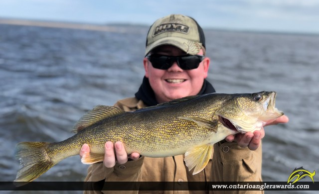 "25"" Walleye caught on Lake of the Woods"