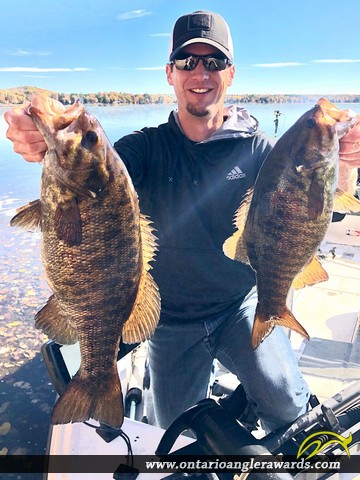 "22.50"" Smallmouth Bass caught on St. Lawrence River"