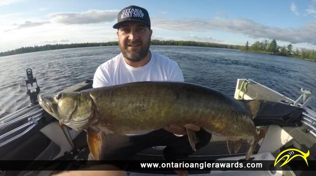 "49"" Muskie caught on Ottawa River"