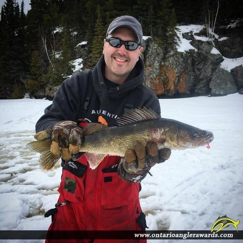 "25"" Walleye caught on Lac Des Mille Lacs"