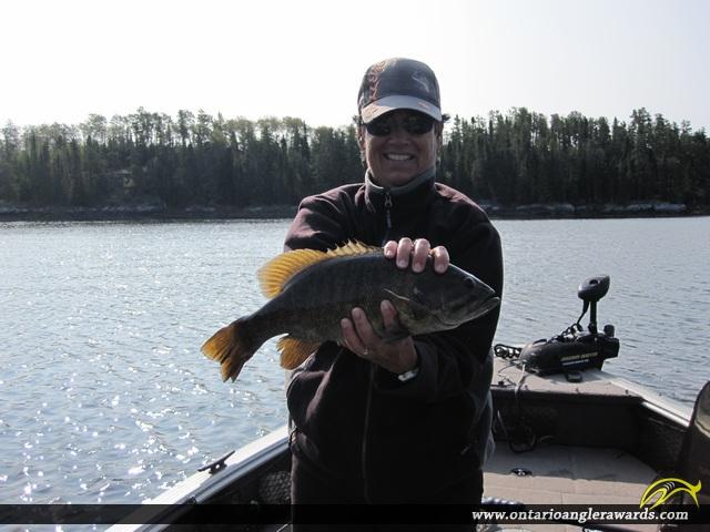 "17.5"" Smallmouth Bass caught on Winnipeg River"